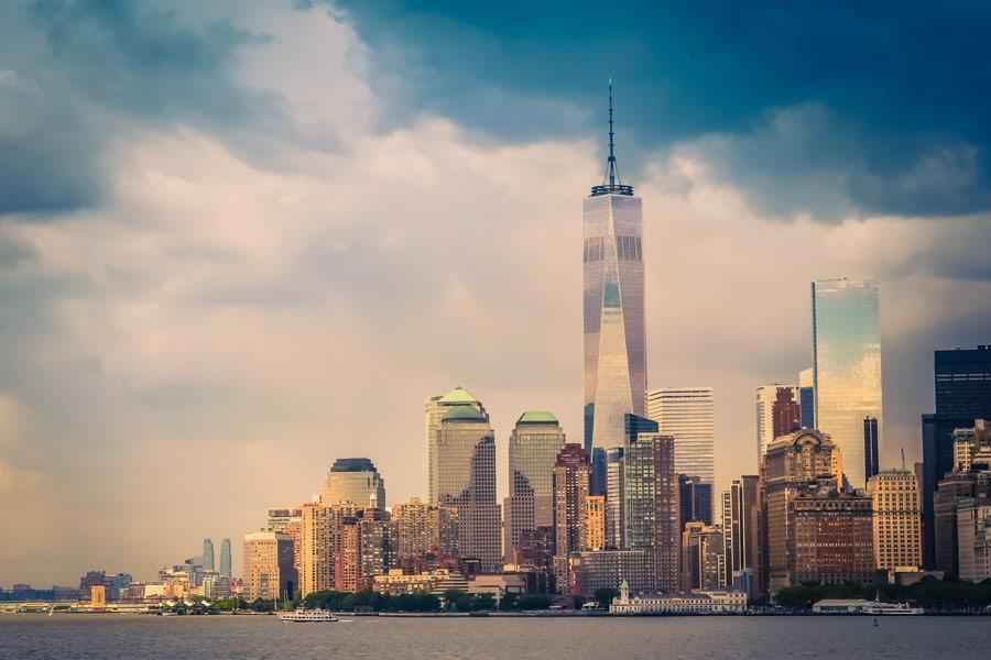 RAW photo of New York edited with Lightroom preset GENTLE WAVE
